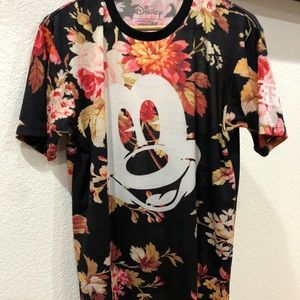 Disney Collection by neff shirt size M